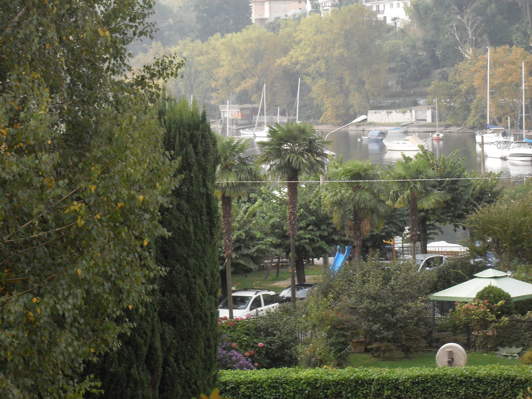 we are 50 meters from the camping and 70 meters from the marina.
