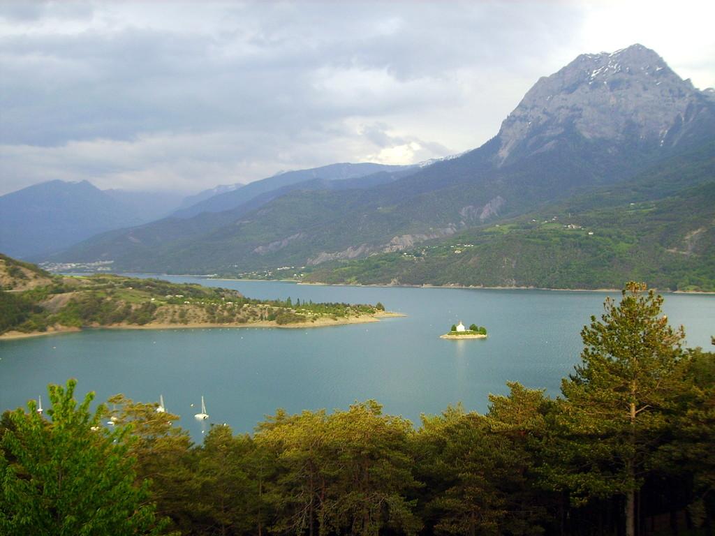 Lac du Serre Poncon mit St. Michelle