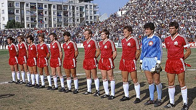 Rene Botteron am 12. März 1986 wieder mit der Nationalmannschaft in Bern gegen die Türkei. Das Spiel ging 0:1 verloren.