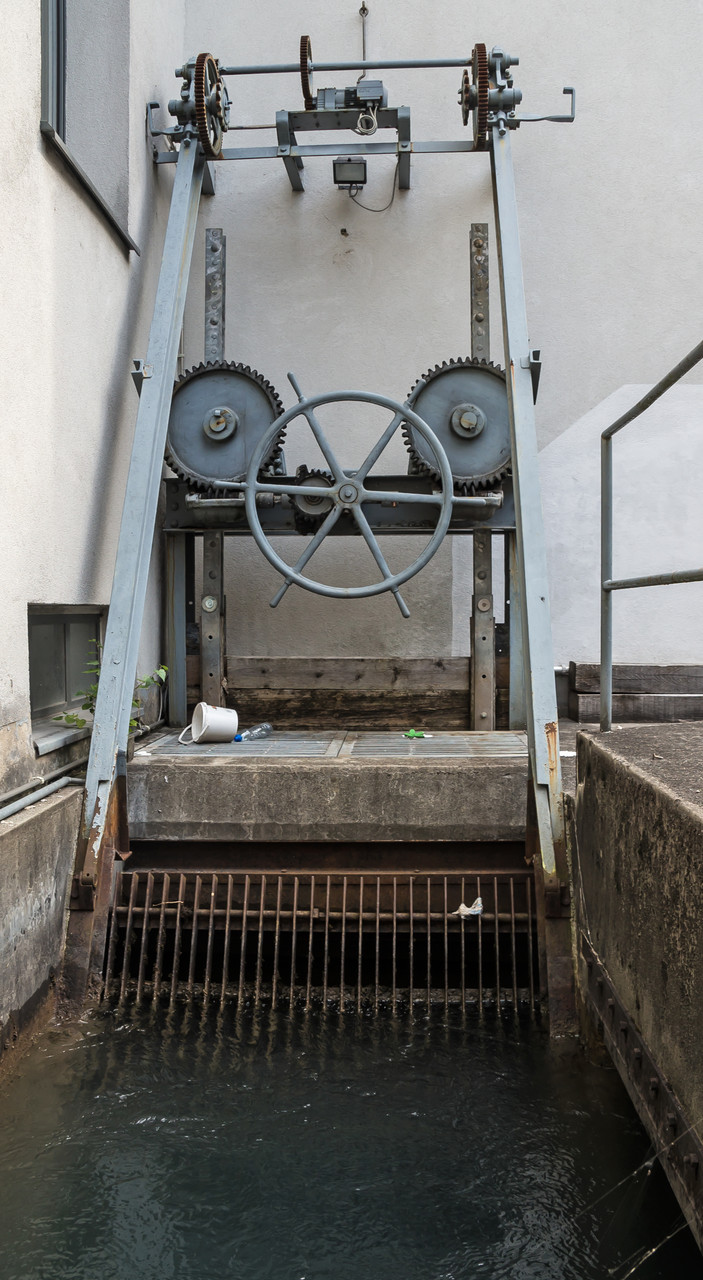 Dorfbach bei oberer Papierfabrik  Koord. 723062 213835