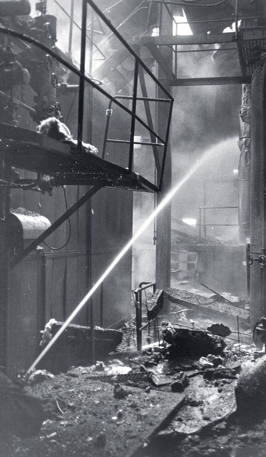 Blick in den total zerstörten Fabrikationstrakt.