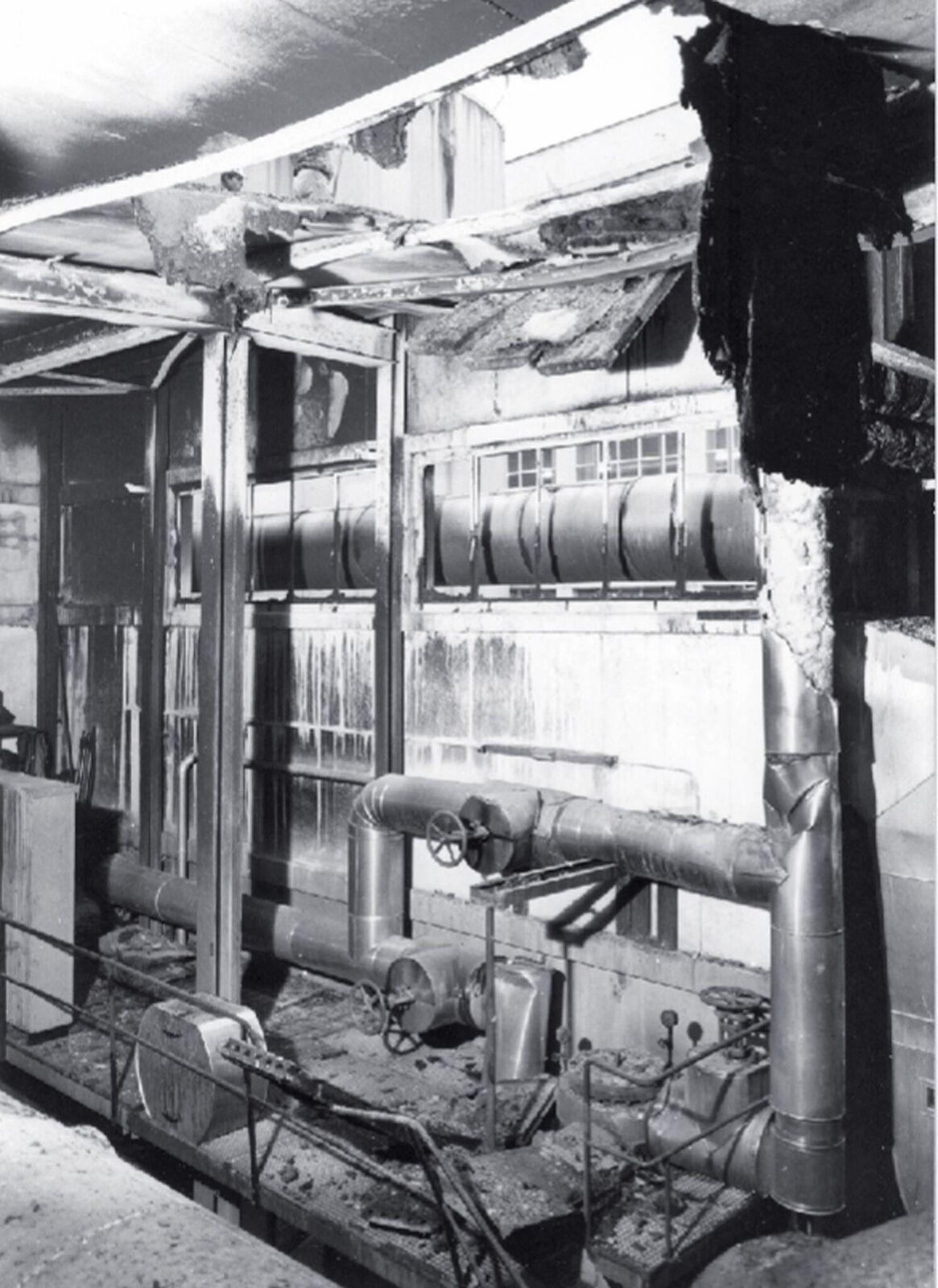 Ein Bild der Zerstörung auf der Ostseite des Fabrikationstraktes.