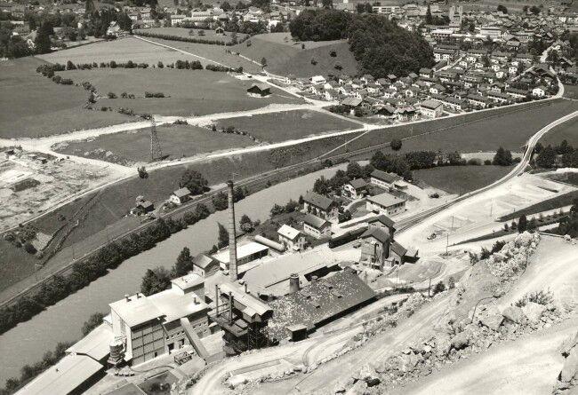 Kalkfabrik in den 60er Jahren (Schwimmbad im Bau)