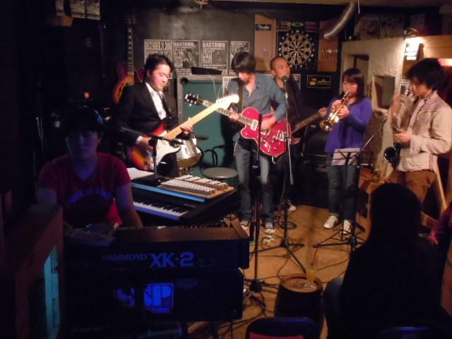 Sweet&Lowdown 2010.10.30.+The Naoki(G) +Yamachan(Sax)