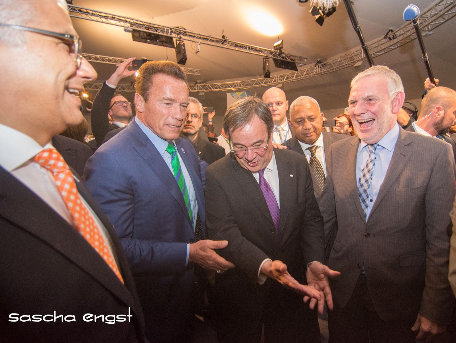 Arnold Schwarzenegger mit NRW-Ministerpräsident Armin Laschet, Fijis Premierminister Frank Bainimarama und Staatssekretär Jochen Flasbarth