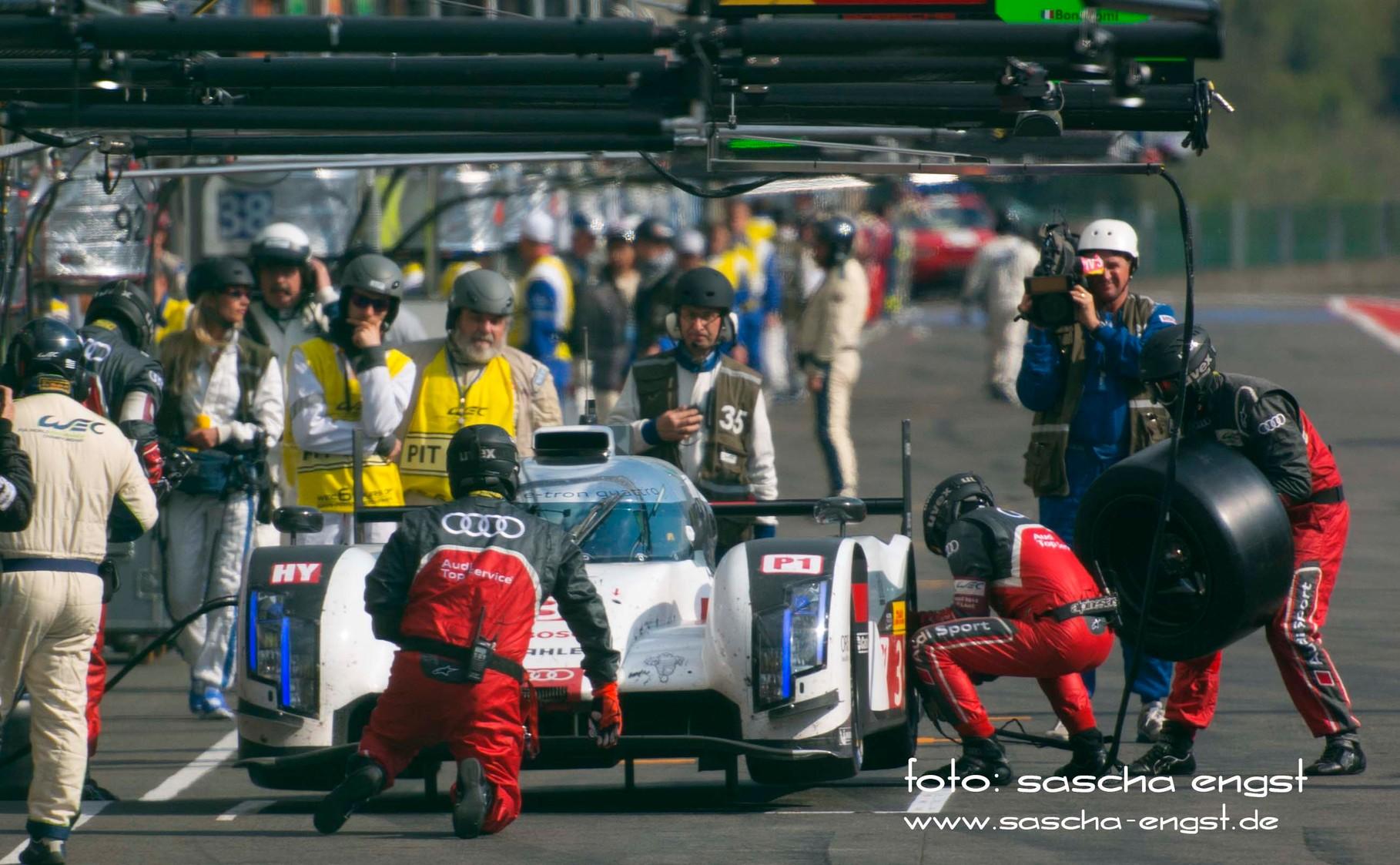 Boxenstopp Audi R18 e-Tron quattro Spa 6h Race 2014