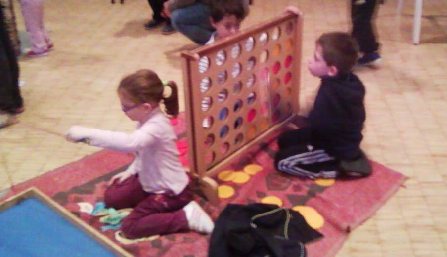 puissance 4 geant /  jeux en bois de Boules et Billes