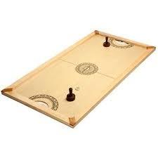 Le hochey de table : Un jeu en bois d'adresse et de rapidité pour toute la famille ! Au top départ, propulsez le palet à l'aide de votre poignée et soyez le premier à marquer !