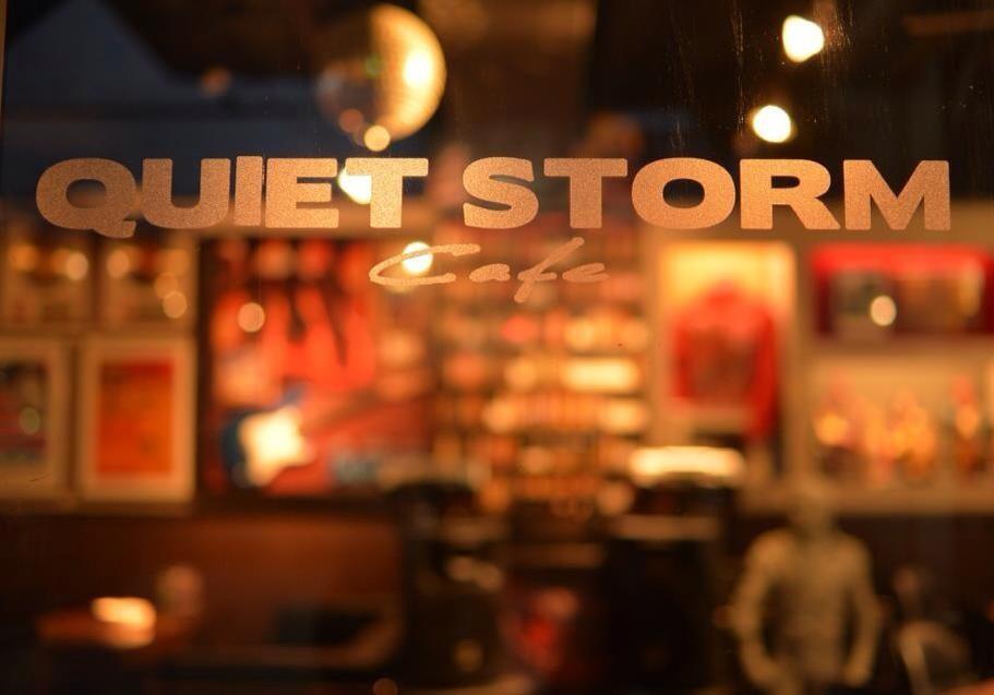 Quiet Storm Cafe梅田店