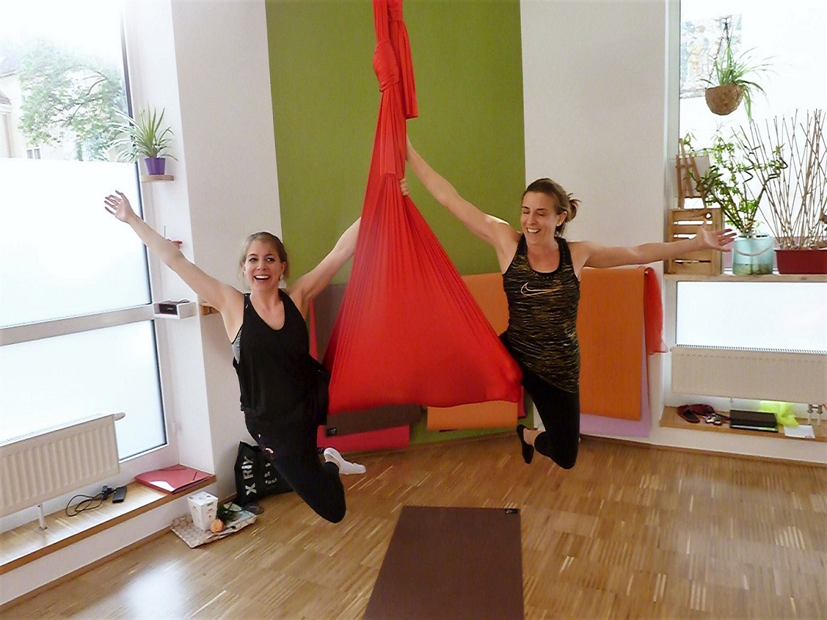 Aerial Yoga Geburtstagsfeier