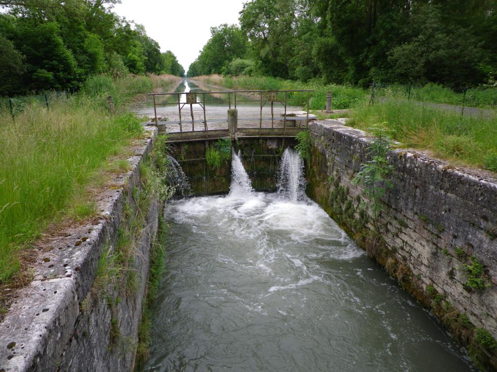 vanne sur le canal de la Haute Seine à Vallant