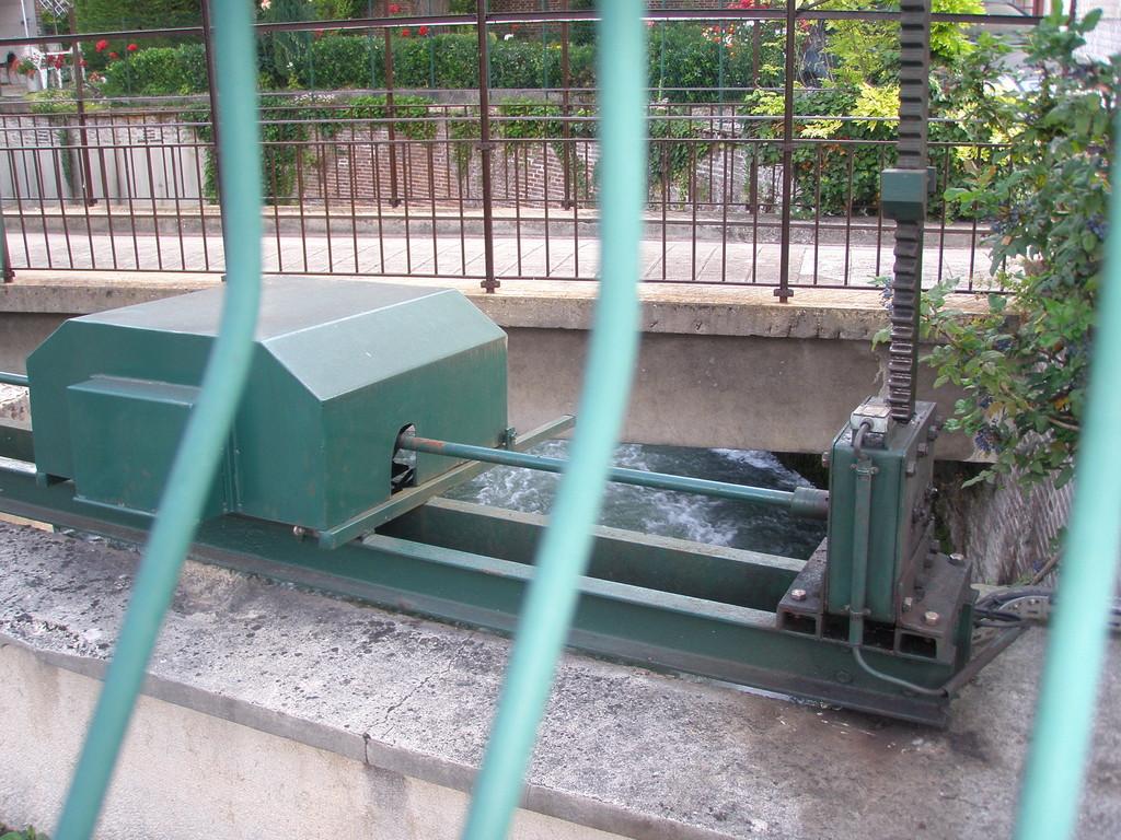 vannage de décharge du canal quai des comtes de Champagne
