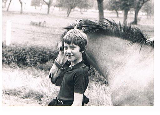 Thierry BIZET et  un jeune cheval
