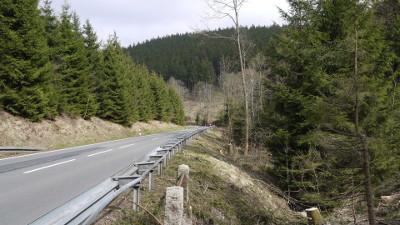 Straße von 3 Ann zum Lossedenkmal Richtung Wernigerode