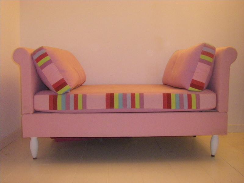 Petit canapé, rayure et uni designers Guild