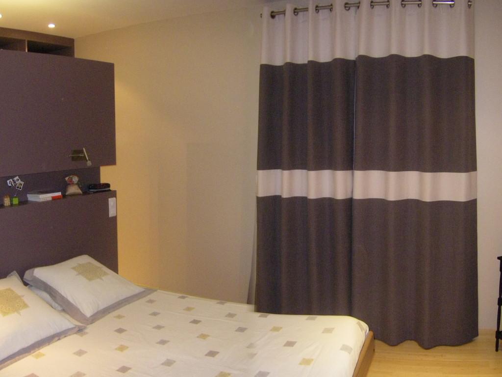 Conception de rideaux a oeillets inspirés de la tête de lit