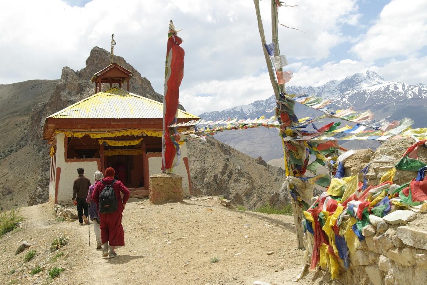 Phokar, Padmasambhava: Kleiner Tempel auf dem Hügel