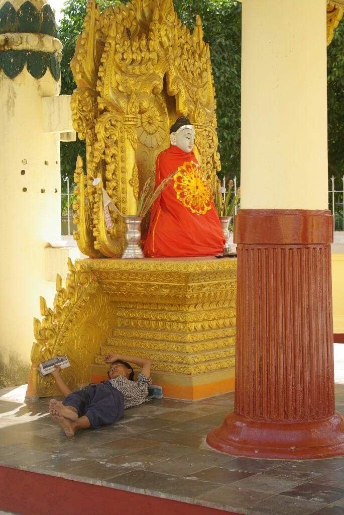 Sule Pagoda: Ein lauschiger Schlafplatz unter Buddhas Obhut.