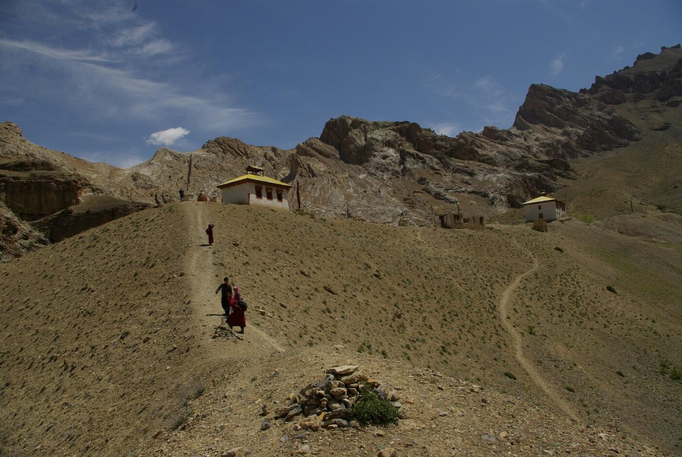 Phokar, Padmasambhava: Letzter Anstieg auf den Höhenzug..