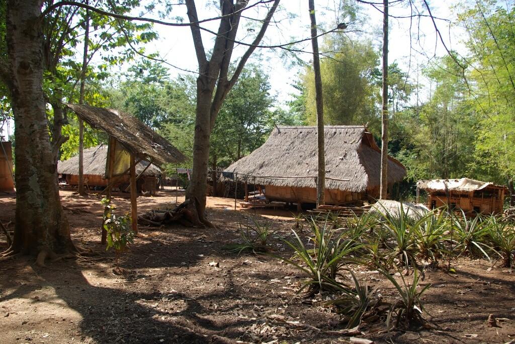 Die Häuser der verschiedenen ethnischen Gruppen sind alle ähnlich gebaut....