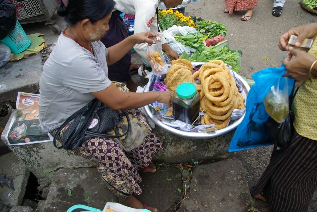 Das erinnert mich doch an Nepal. Sieht aus wie nepali bread.