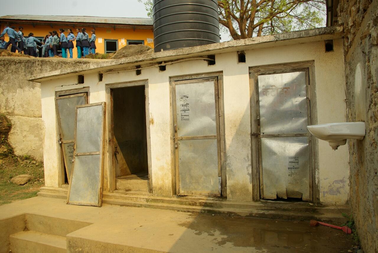Die Toiletten sind in üblem Zustand.