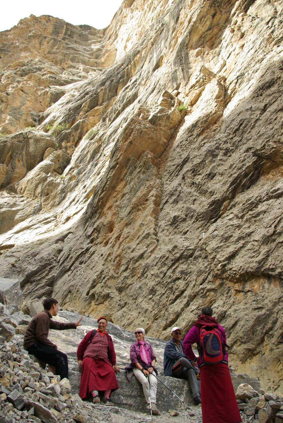 Phokar, Padmasambhava: Eine erste Rast