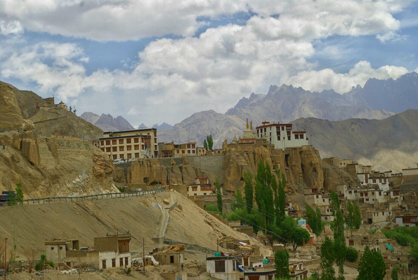 Unterwegs nach Wakha: Das Kloster Lamayuru.