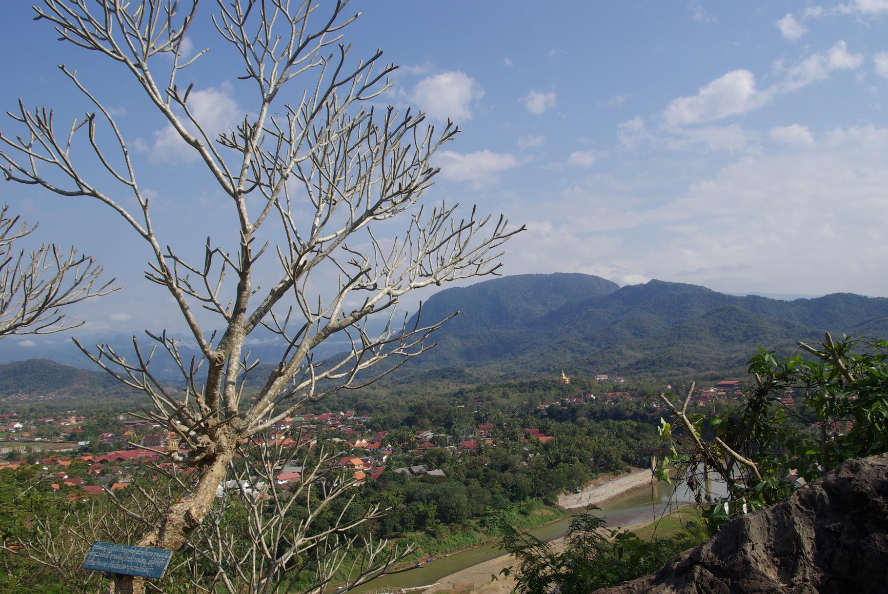 Blick vom Mount Phousi nach Osten..