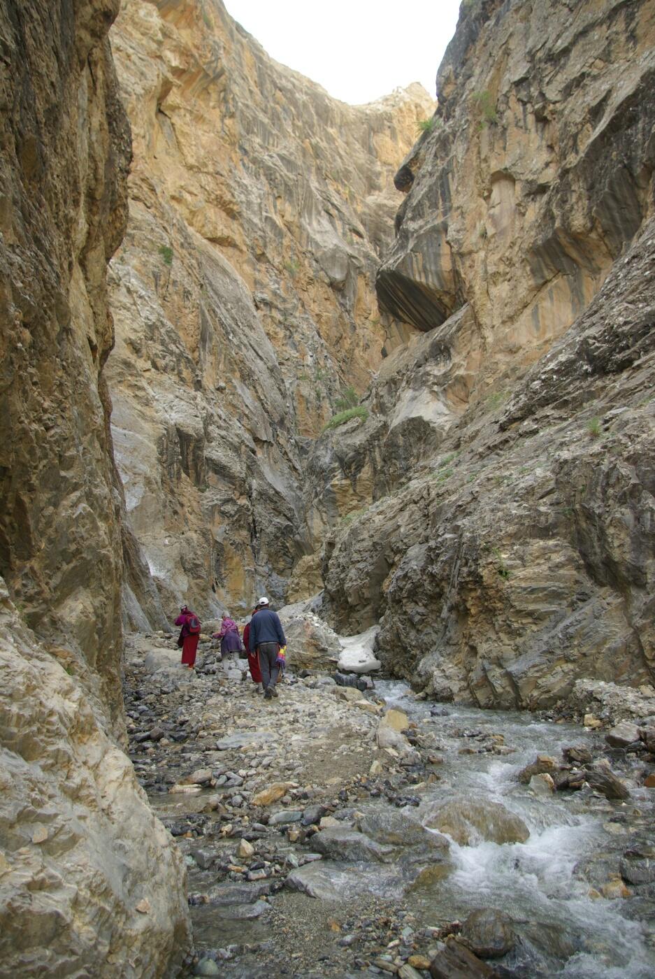 Phokar, Padmasambhava: ...doch bald nur noch Felsen