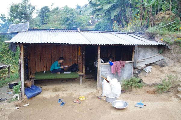 3 Jahre hat Prem, ein Lehrer, mit seiner Familie so gehaust