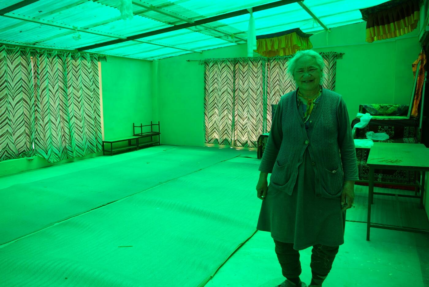 Choglamsar: in der Winterschule stattfinden soll (grünes Glasdach)
