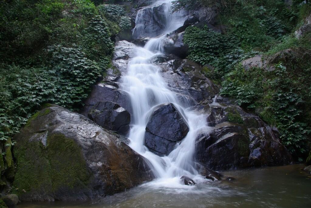 Weil er so schön ist, nochmals der Wasserfall.