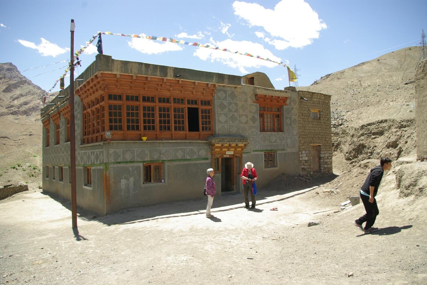 Amchi: Sein Haus bei Mulbek