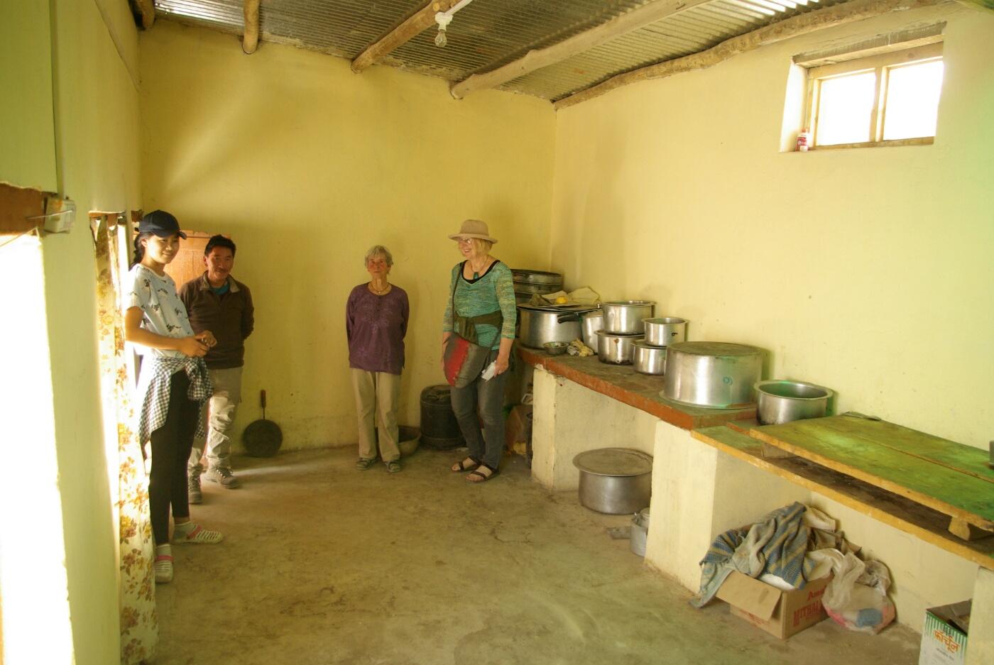 Choglamsar: Küche der Community Hall
