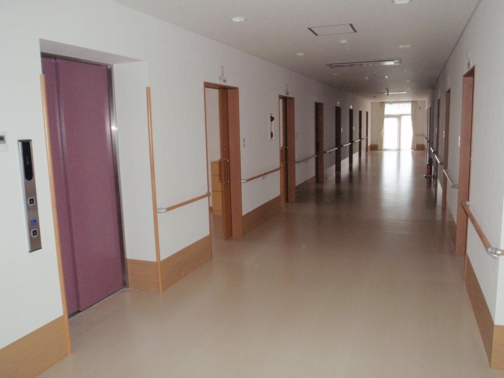 広い廊下はコミニュティー横丁