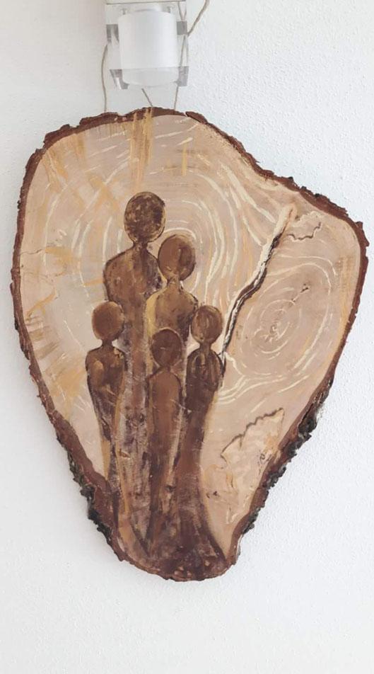 Birkenscheibe bemalt -Familie