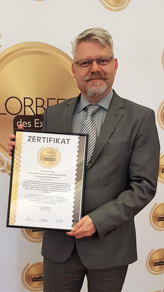 "Till Isensee, TILISCO GmbH Verpackungsmanagement mit dem Zertifikat ""Lorbeer des Experten"""