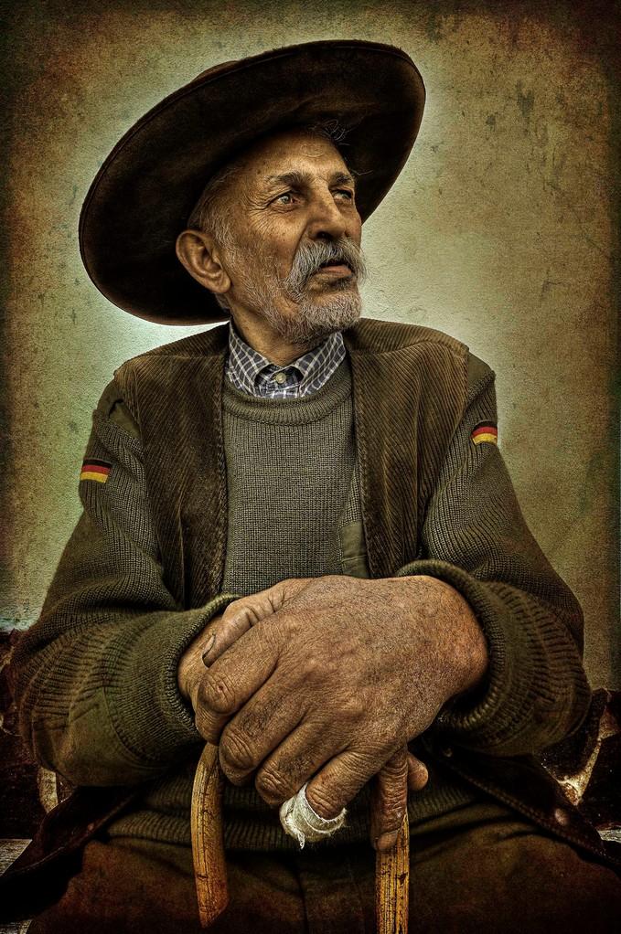 Premfoto 2012 - Ede Tordai AFIAP (Romania) Gipsy - Ţigan