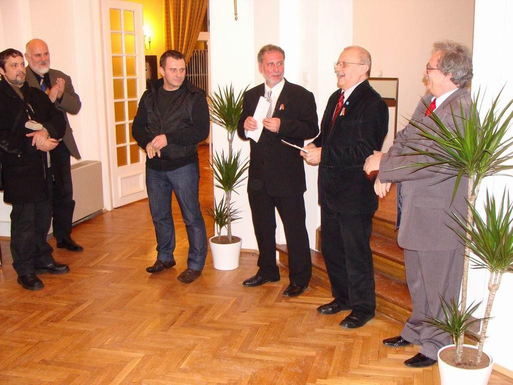 Vernisaj la Centrul Cultural al Ungariei Bucureşti 22.10.2011 - Opening the Hungarian Cultural Centre Bucharest 22.01.2011 - Megnyitó a Bukaresti Magyar Kultúrális Intézetben 2011.01.22.11