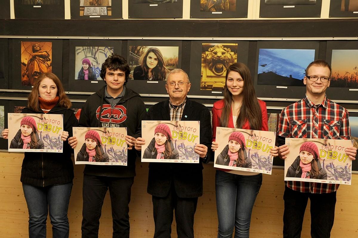 Vernisaj Expo DEBUT din lucrările absolv. cursului foto în Galeria Studio - Palat Vulturul Negru Oradea - 13 februarie 2013