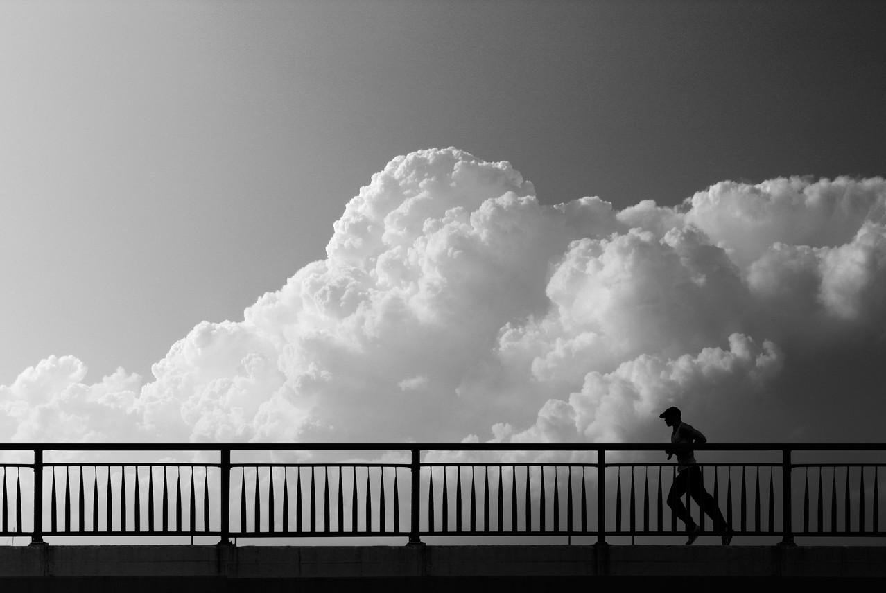 Placheta- Robert Aelenei  (Spania) - The Runner/ Alergătorul