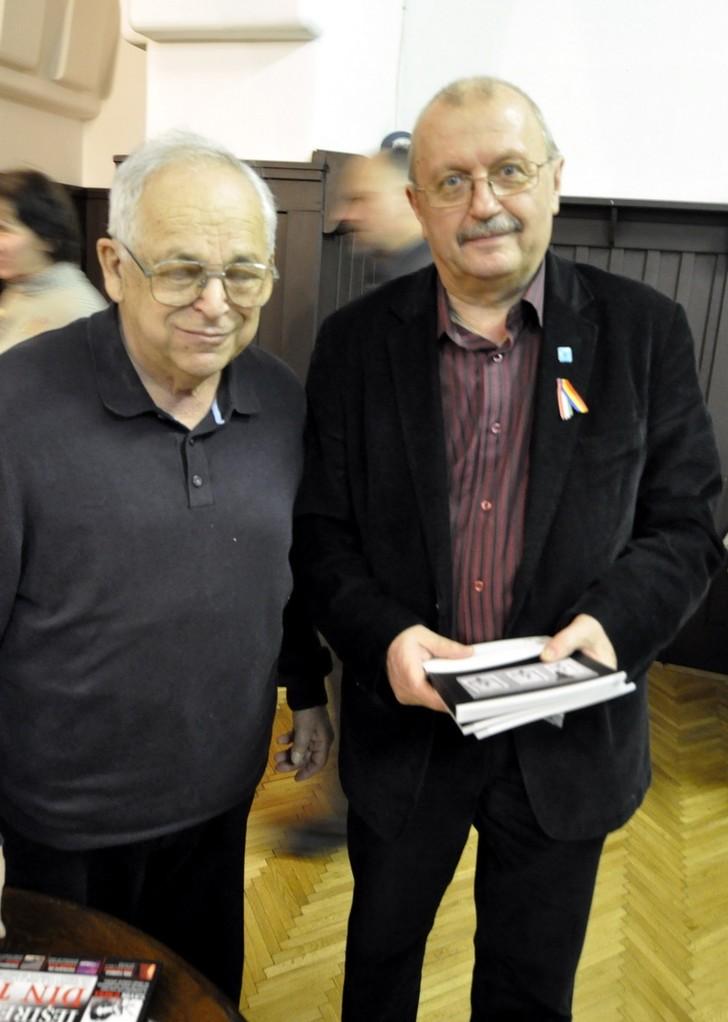 Artiştii fotografi Lajos Erdélyi originar din Târgu Mureş  şi Ştefan Tóth AFIAP