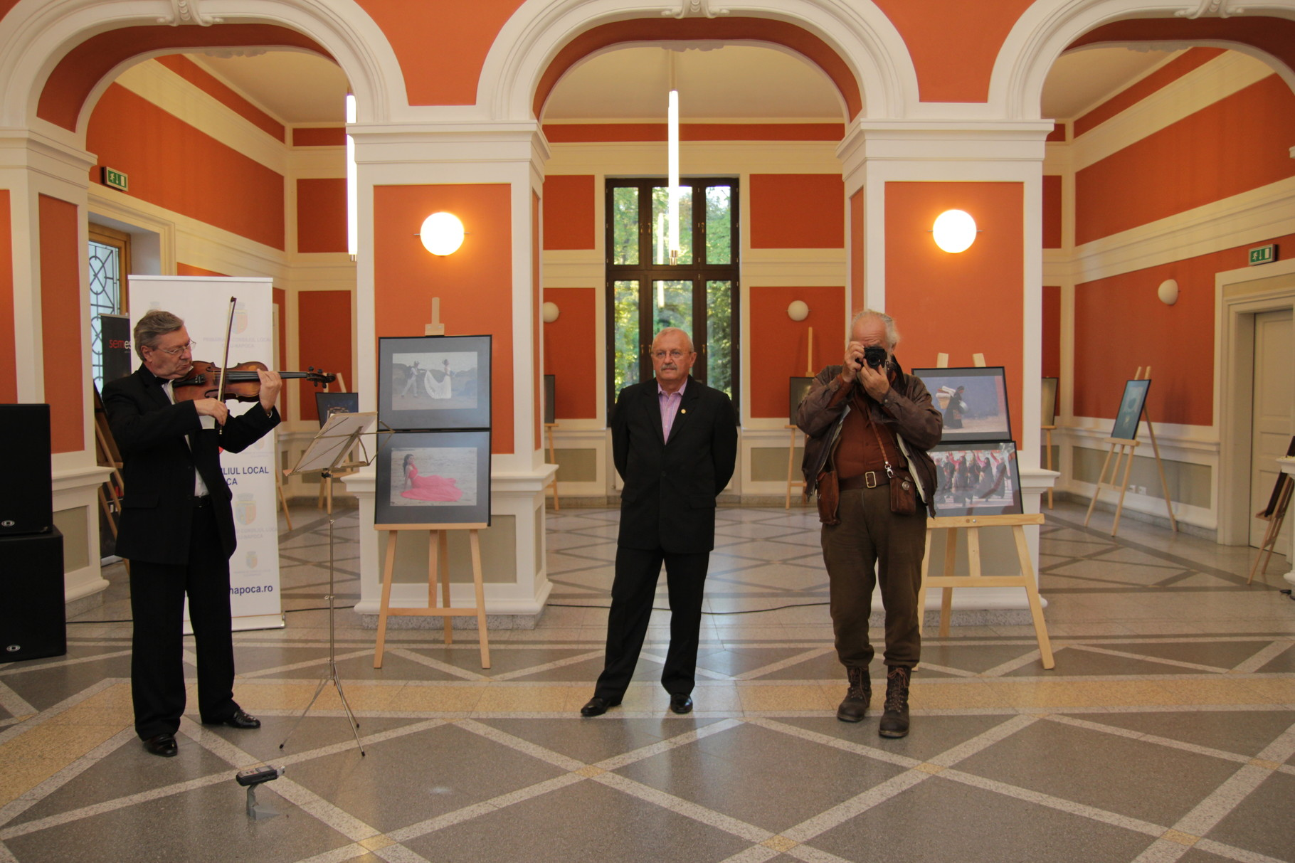 China Photography Festival in Romania - Oppening personal exhibition Stefan Toth AFIAP in Cluj Napoca (RO)
