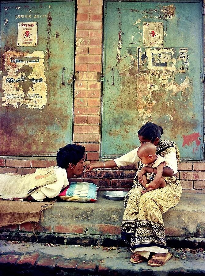 Placheta-Rashid Un Abi AFIAP (Bangladesh)/ Ajutorare