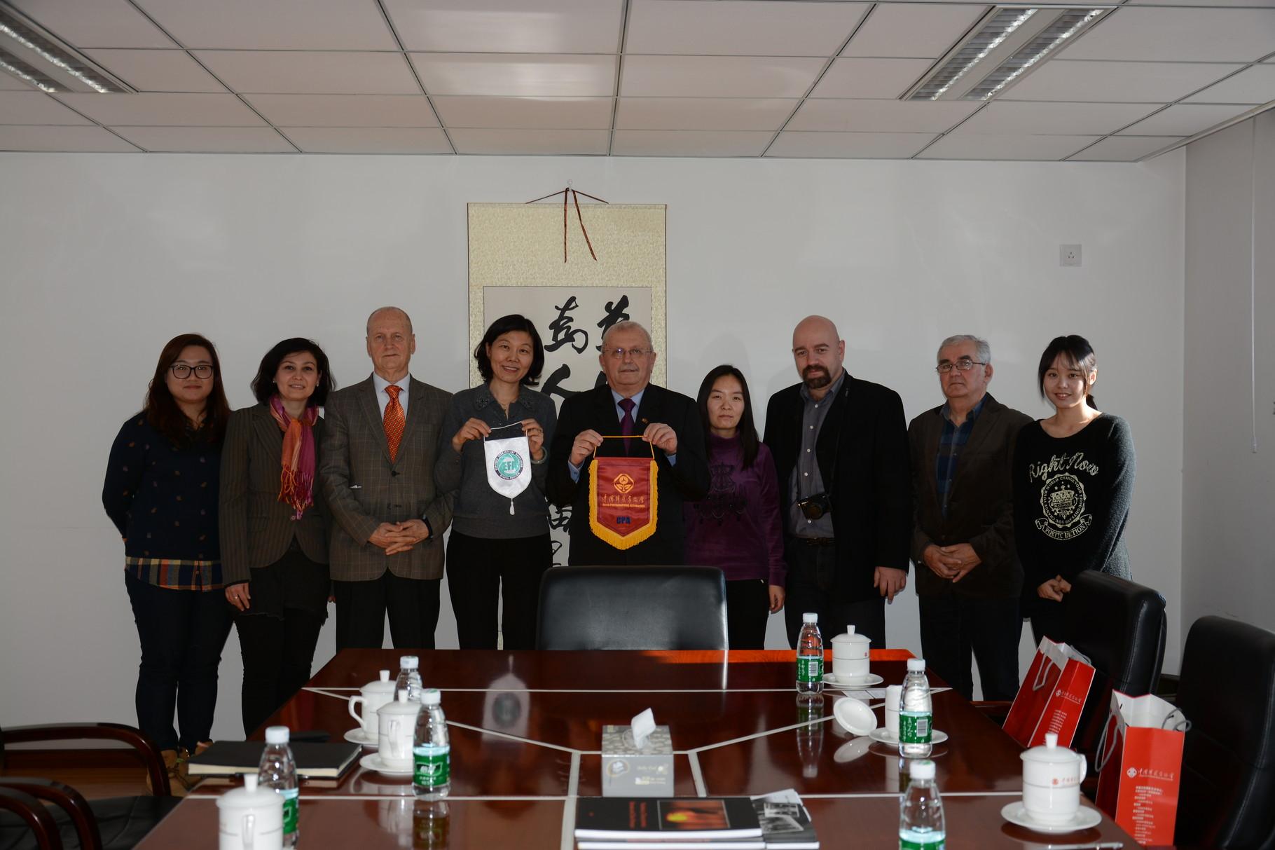 Látogatás a Kínai Fotóművészek Szövetségénél - Peking
