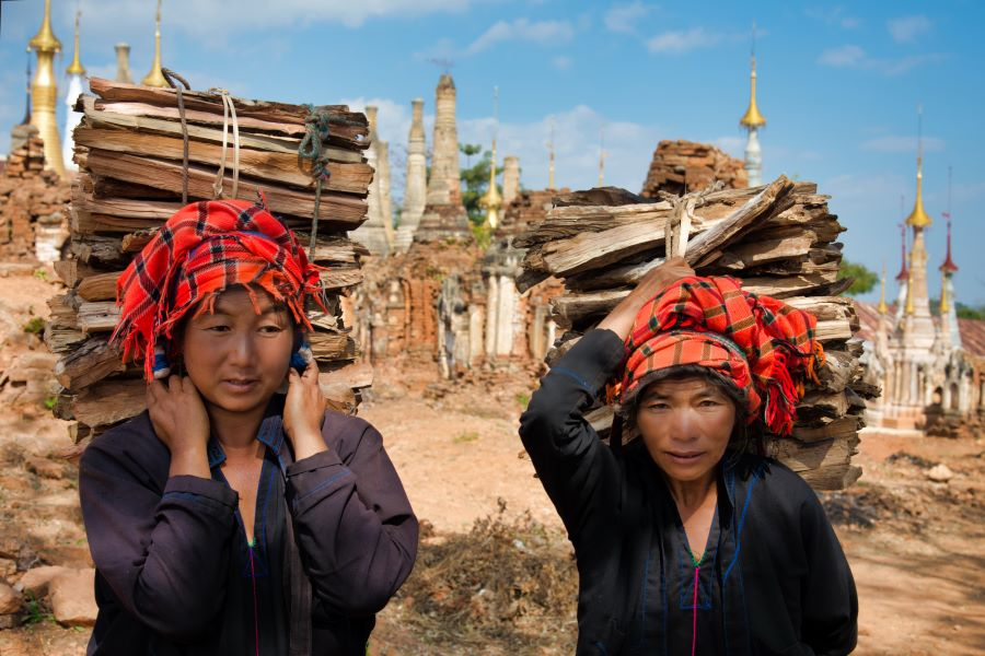 Magdelene Teo (Singapore) - Myanmar villagers