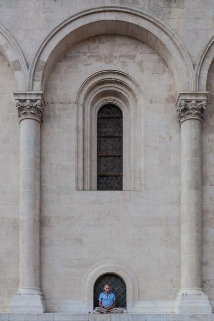 Pócza Gábor (HU) - Meditaţie la temelia Bazilicii_Meditáció a Bazilika alapkövén