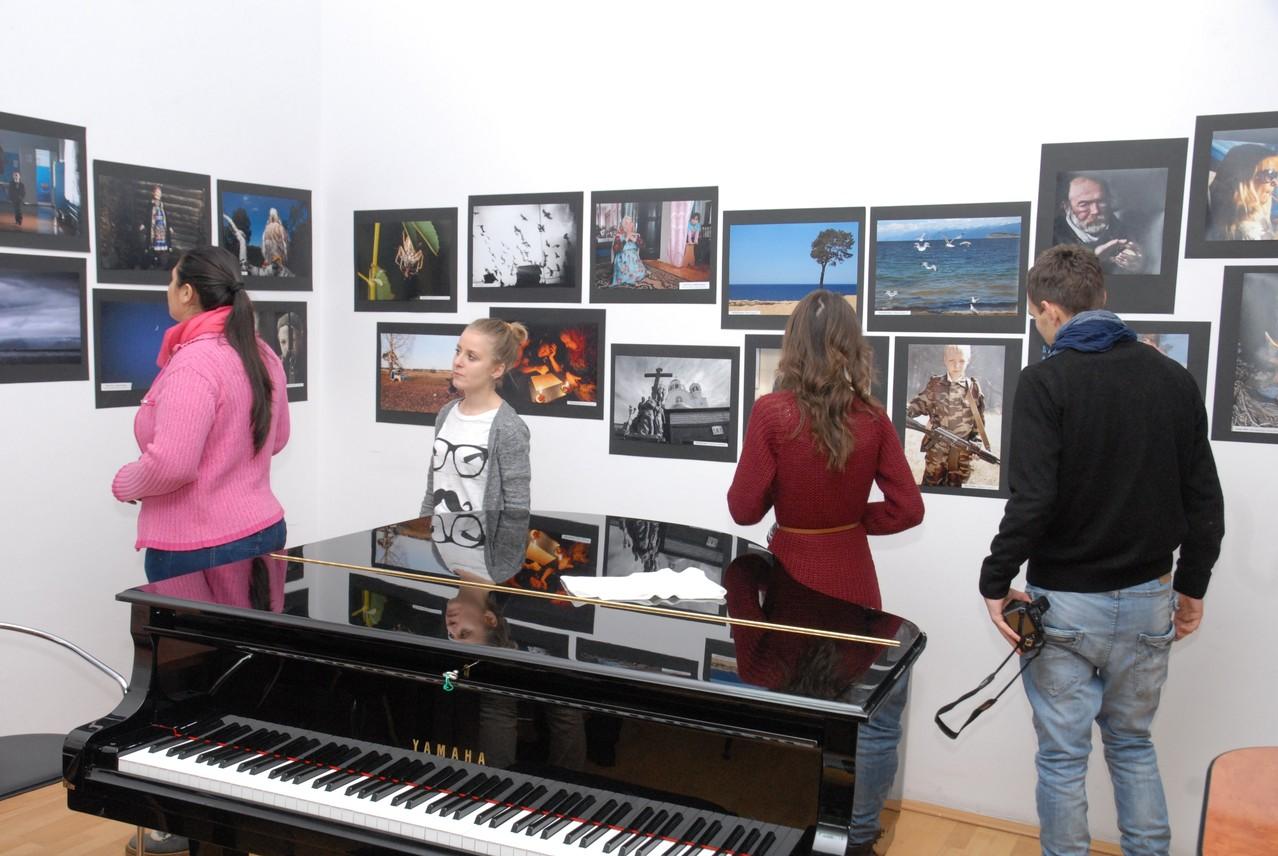 Expoziţia Fotoclubului din Ekaterinburg (Federaţia Rusă) vernisată în în cadrul Festiv. Internaţional la Galaţi