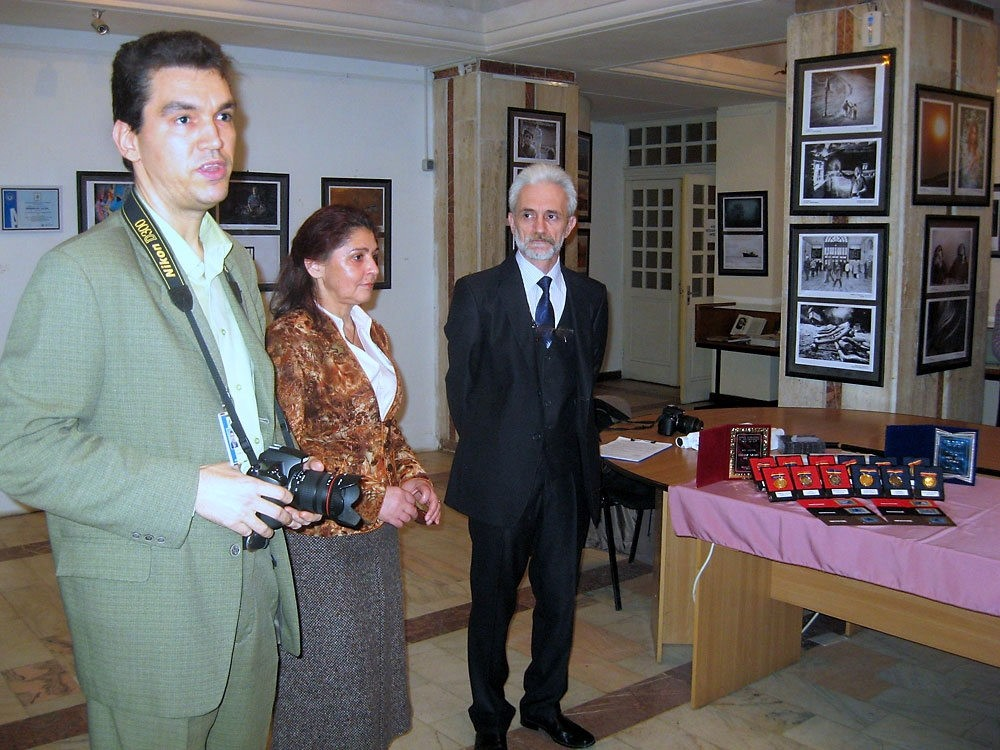 Best of CF Nemzetközi Szalon megnyitója a Brailai Könyvtárban, a Nemzetközi Fotogárfiai Fesztivál keretén belül